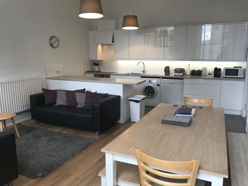 Five bedroom property to let, Lothian Road