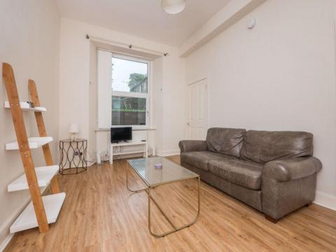 One bedroom property to let, Lower Granton Road, Trinity