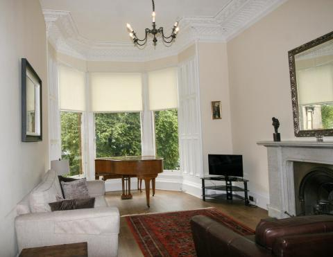 Two bedroom property to let, Coates Gardens, West End