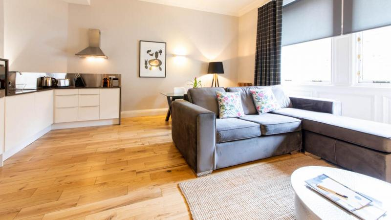 Two bedroom property to let, North Bridge Lofts, Old Town