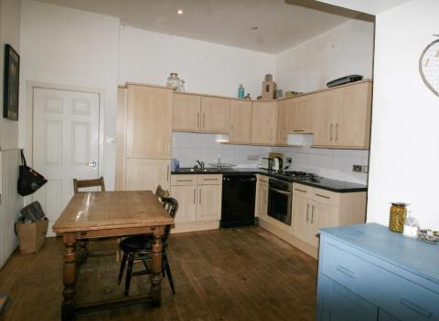 Two bedroom property to let, Lewis Terrace, Haymarket