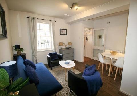 One bedroom property to let, Websters Land, Grassmarket