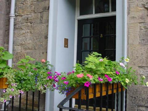 Two bedroom property to let, Ramsay Garden, Old Town