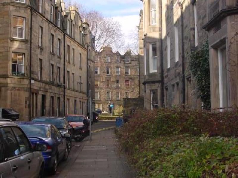 Three bedroom property to let, Roseneath Terrace, Marchmont