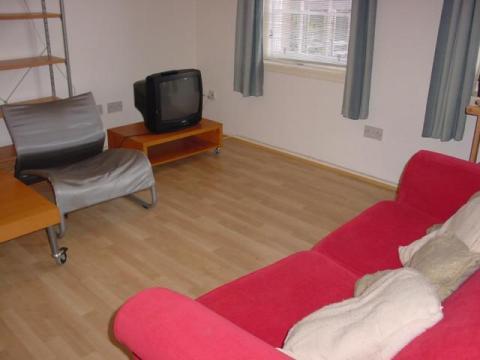 One bedroom property to let, Webstersland, Grassmarket