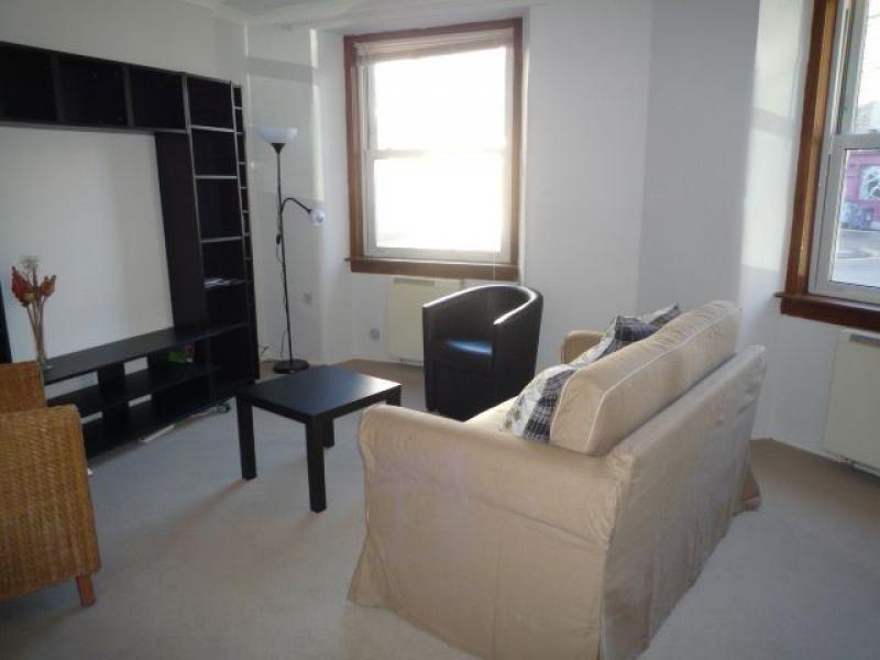 One bedroom property to let, East Crosscauseway, Newington