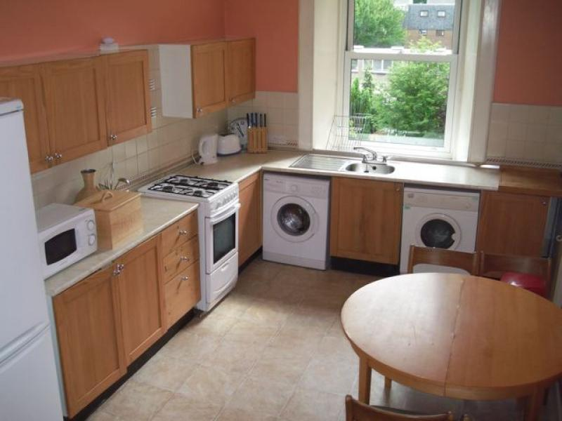 Three bedroom property to let, Meadow Place, Marchmont