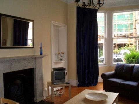 Three bedroom property to let, Marchmont Crescent, Marchmont