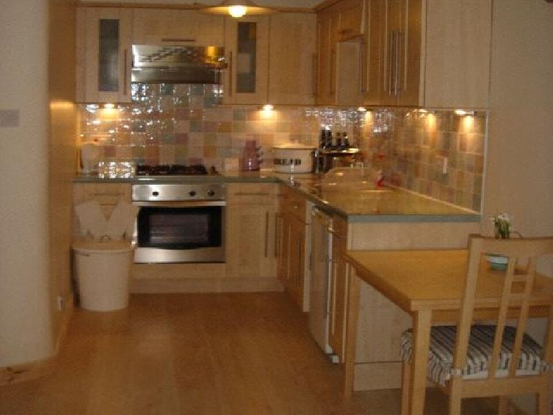 One bedroom property to let, Easter Road, Leith